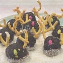 Reindeer Chocolate & Pistachio Truffles Recipe